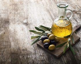 Los beneficios de comprar aceite de oliva ecológico
