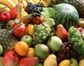 Una cesta de fruta: un regalo especial